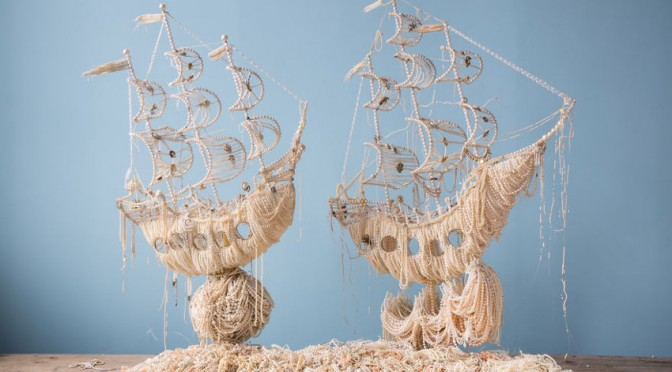 Пуговицы, булавки и колючая проволока в удивительных работах Энн Каррингтон