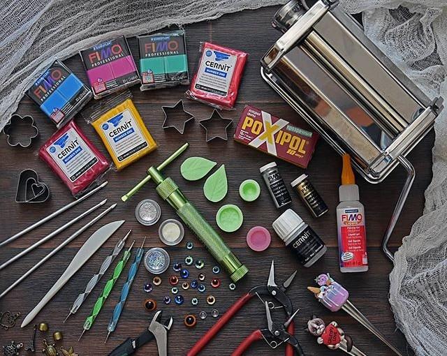 Где же купить материалы и инструменты, без которых не прожить мастеру полимерной глины?