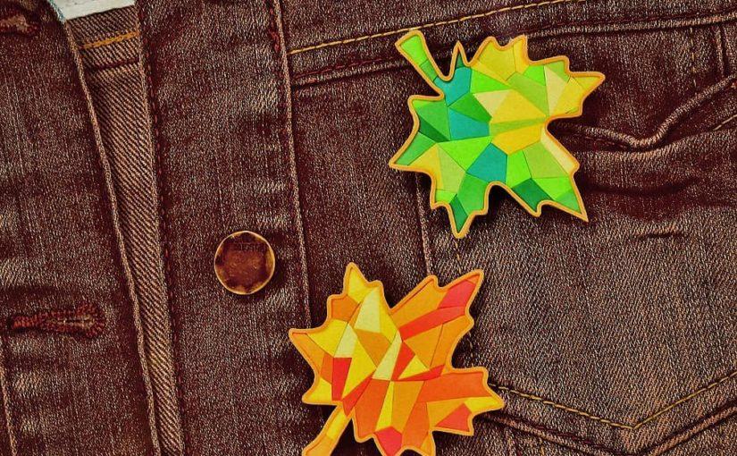 Брошь-мозайка в виде листочков